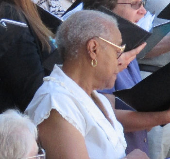 Lucy Bouldin singing with the Carson Chamber Singers in 2013. Photo from the Carson City Symphony website.